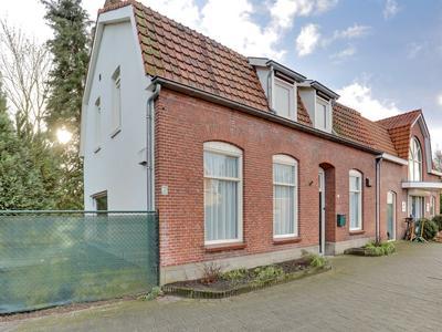 Raadhuisstraat 88 in Rucphen 4715 CE