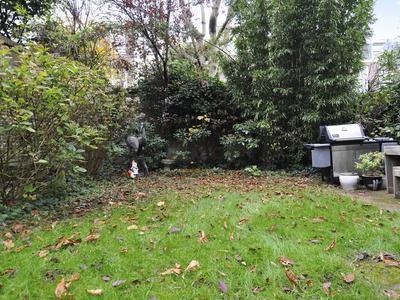 Groot Hertoginnelaan 53 in 'S-Gravenhage 2517 EC