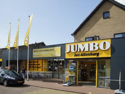 Supermarkt Jumbo in het dichtbij gelegen plaatsje Sint Nicolaasga