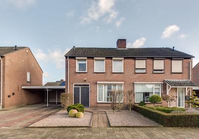 Wingerdstraat 17 in Heythuysen 6093 AG