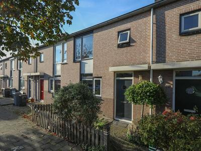 Carry Pothuisstraat 46 in Hoofddorp 2135 NH