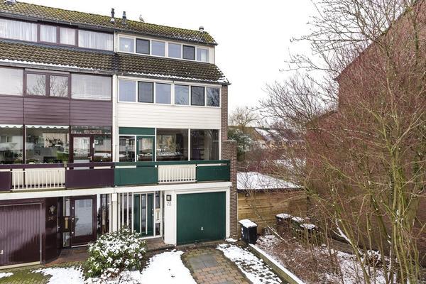 Zwattingburen 28 in Nieuw-Vennep 2151 ZK