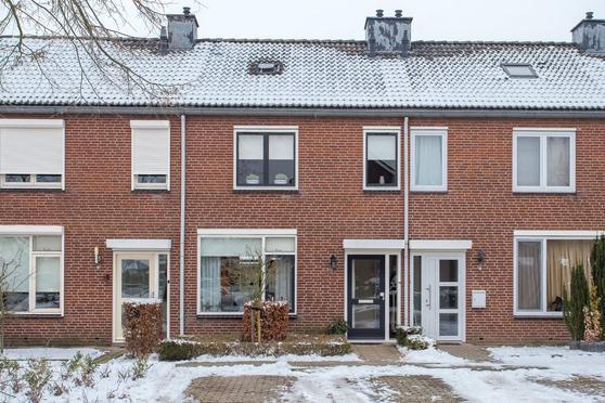 Tienderweg 41 in Heythuysen 6093 EN