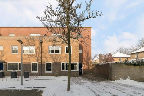 Meester Van Ierselstraat 2 in Rosmalen 5247 WP