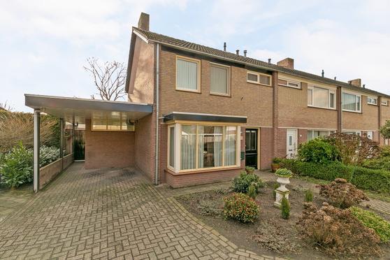 Prinses Ireneplein 8 in Bergeijk 5571 GG
