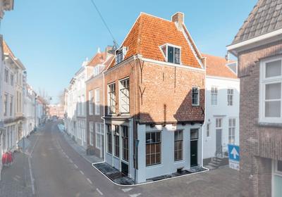 Achter Het Hofplein 1 in Middelburg 4331 CL