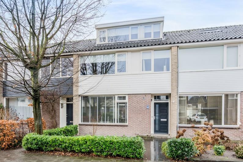 Karel Boumanstraat 18 in Vught 5262 HN