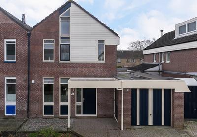 Suze Groenewegplein 10 in Franeker 8802 MH