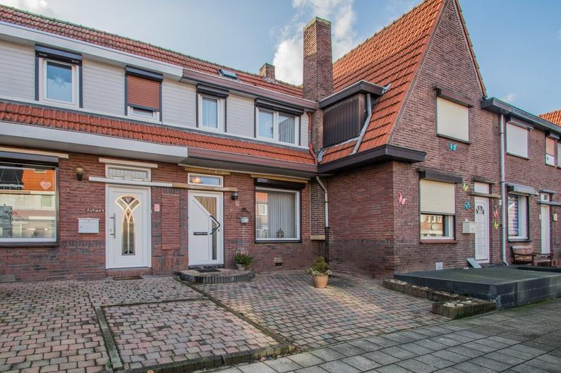 Roland Holststraat 12 in Landgraaf 6374 GX