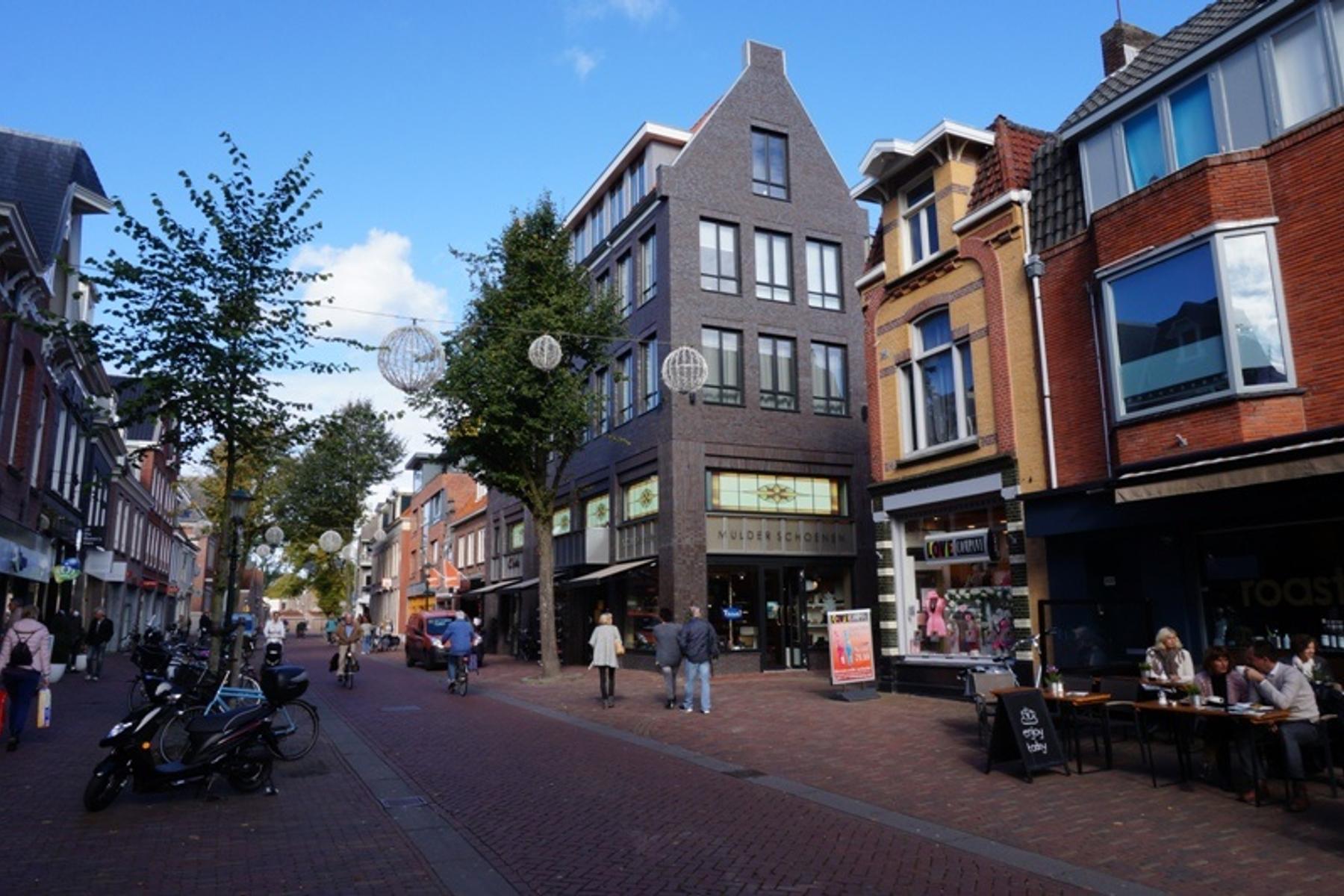 Laat 202 H in Alkmaar 1811 EN