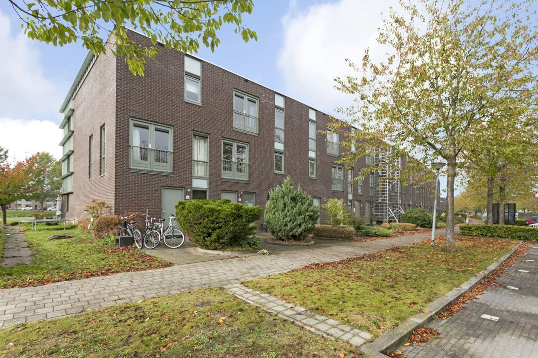 Renoirstraat 96 in Almere 1328 PR