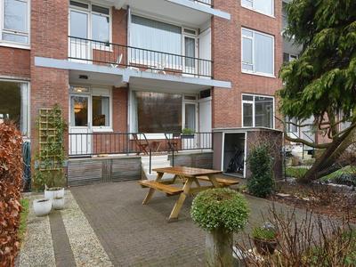 Louise Henriettestraat 92 in 'S-Gravenhage 2595 TJ