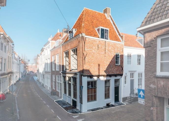 Achter Het Hofplein 1 * in Middelburg 4331 CL