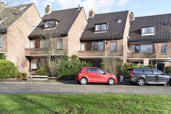 Rozenplein 21 in Wassenaar 2241 XV