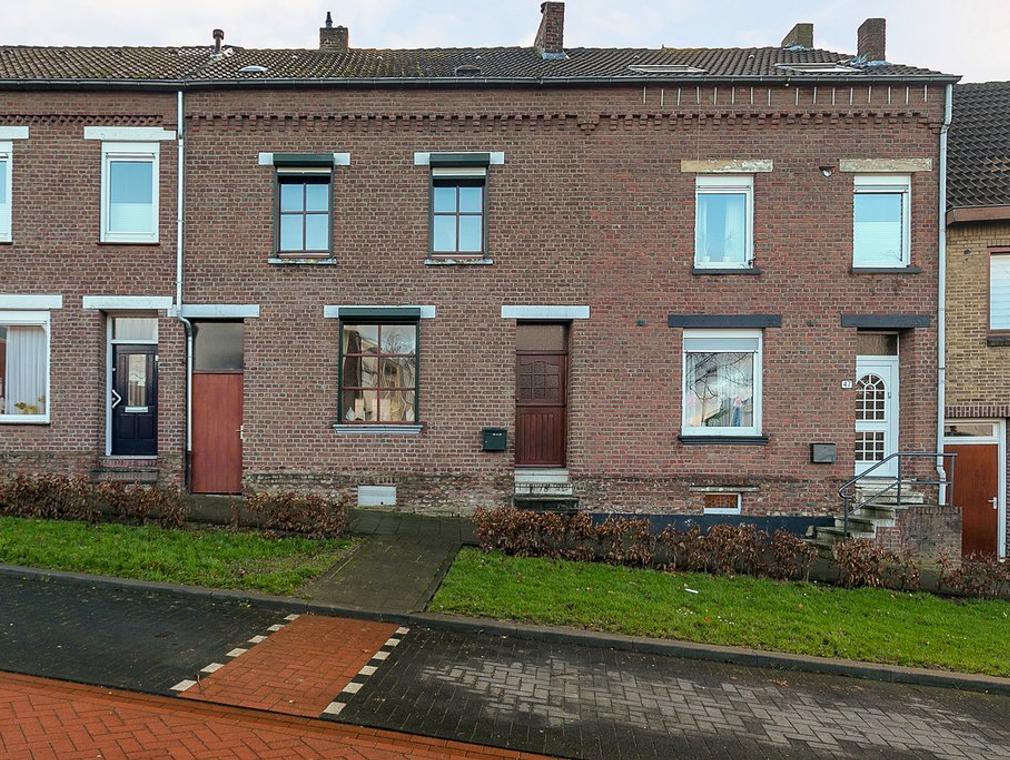 Erensteinerstraat 45 in Kerkrade 6463 XN