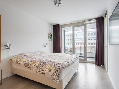 Loosduinenstraat 26 in Amsterdam 1062 EG