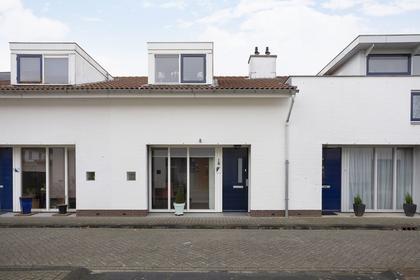 Peter Van Anrooystraat 22 in Deventer 7425 GV
