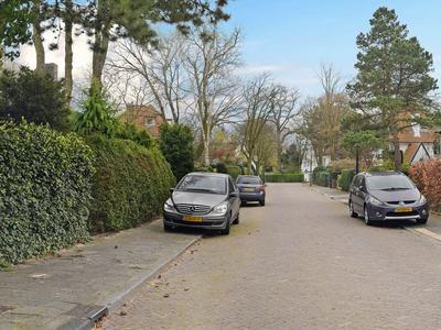 Helmlaan 8 in Wassenaar 2244 AZ