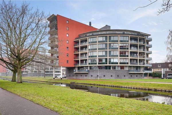 Marie Van Eijsden-Vinkstraat 337 in Rotterdam 3066 JB