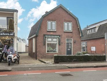 Van Dompselaerstraat 27 in Barneveld 3772 AC
