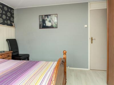 Henri Dunantstraat 25 in Staphorst 7951 BA