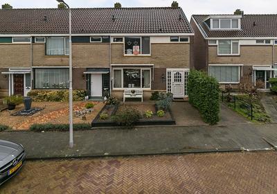Schevenstraat 27 in 'S-Gravendeel 3295 VJ