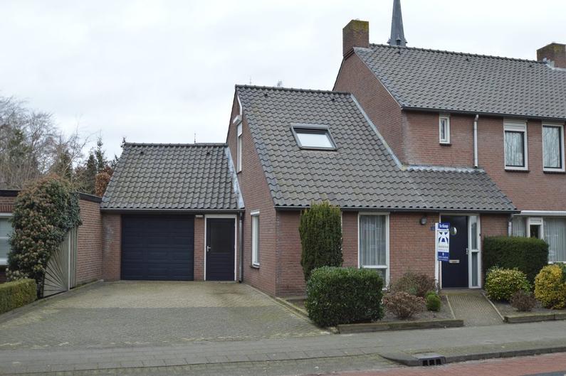 Monseigneur Berkvensstraat 12 in Liessel 5757 BK