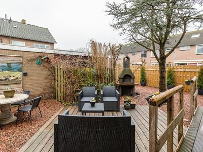 IJsselstraat 37 in Alphen Aan Den Rijn 2405 AB