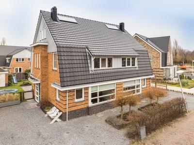 Norbertijnenlaan 194 in Alphen Aan Den Rijn 2408 KB