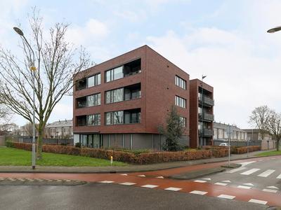 Achtste Donk 22 in 'S-Hertogenbosch 5233 PC