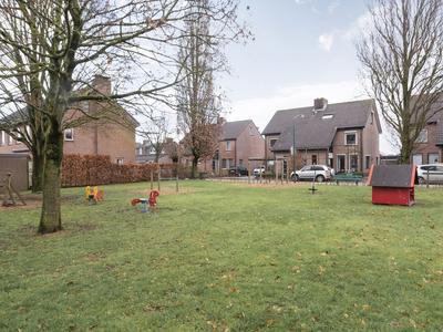 Kloosterlaan 43 in Langeweg 4772 RA