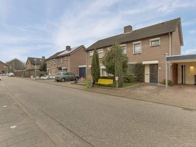 Menuetstraat 7 in Venray 5802 GC