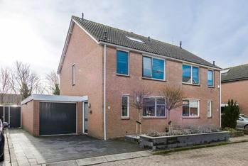 Zeebrekersweg 21 in Ouddorp 3253 VS