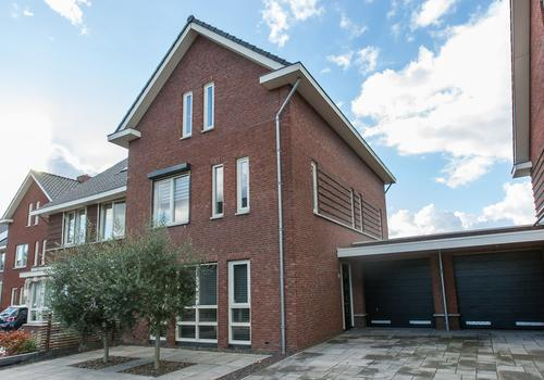 Waterland 80 in Ridderkerk 2987 EN