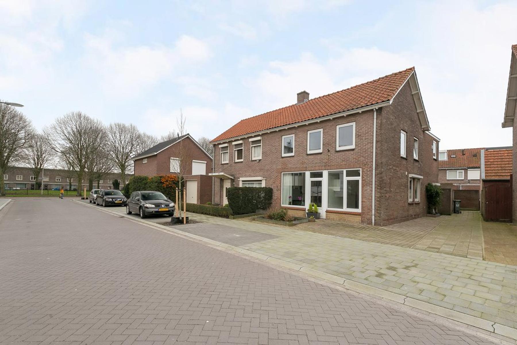 Pater Bleijsstraat 57 in Oss 5348 AM