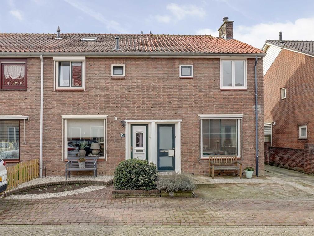 Koningin Julianastraat 58 in Hardinxveld-Giessendam 3372 EC