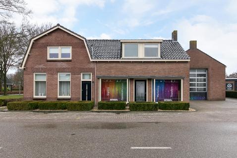 Dorpsstraat 101 in De Wijk 7957 AT