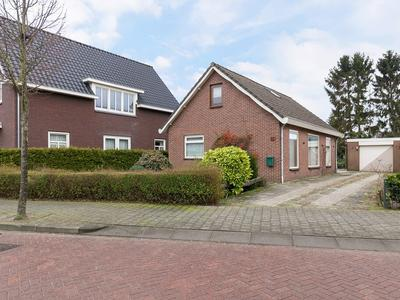 Molenweg 64 in Berghem 5351 EW