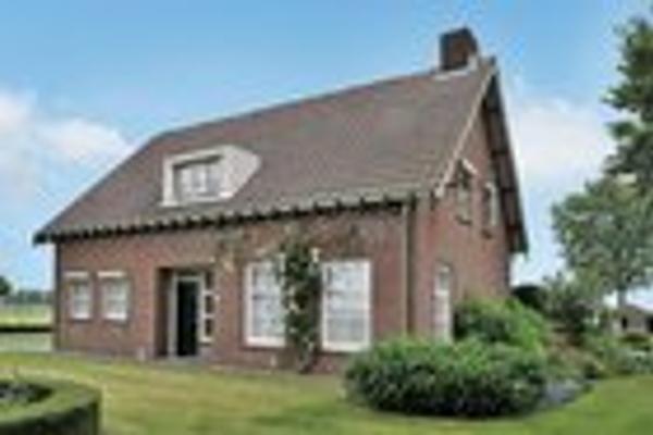 Vorstenbosseweg 11 in Heeswijk-Dinther 5473 NG