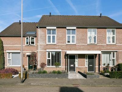 Burgemeester Van Lokvenstraat 102 in Mierlo 5731 LR
