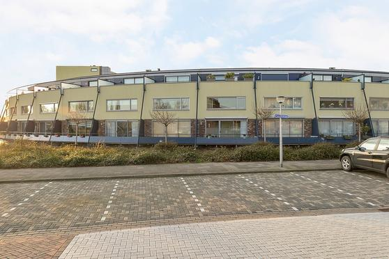 Puccinistraat 9 in Capelle Aan Den IJssel 2901 GL