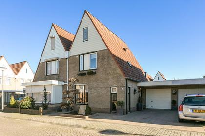 Hendrik Van Veldekestraat 6 in Helmond 5702 DN