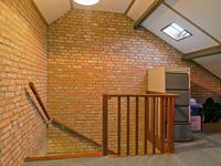 Indeling tweede verdieping: <BR>De 2e verdiepingsvloer is uitgevoerd in beton en bedekt met vloerbedekking.