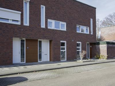 Loonstraat 11 in Weert 6004 VV