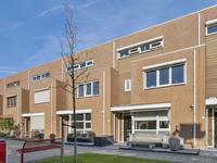 Schubertpad 21 in Oud-Beijerland 3261 JJ