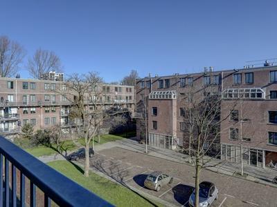 Aaf Bouberstraat 116 in Amsterdam 1065 LV