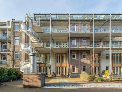 Knollendamstraat 153 in Amsterdam 1013 TM