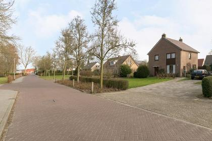 Paalweg 13 in Heino 8141 RT