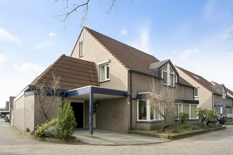 Nierslaan 48 in Helmond 5704 NK