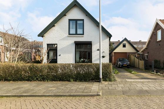 Kerkweg 9 in Barendrecht 2992 SE